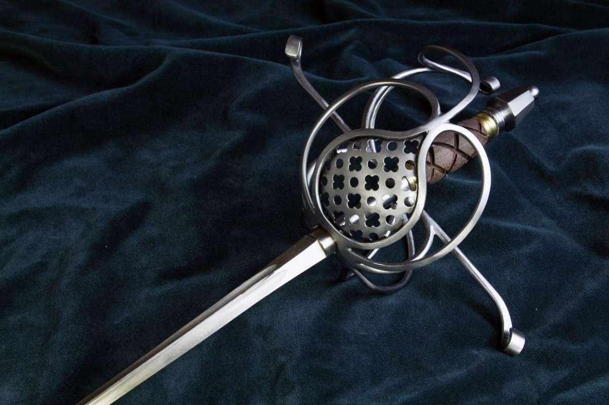 Kord miskový, rapír, meč