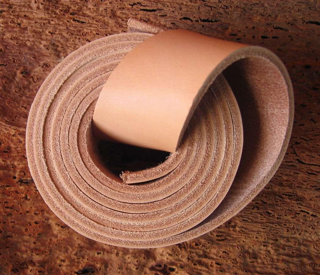 kožený řemen 130 - síla 3,8 - 4mm