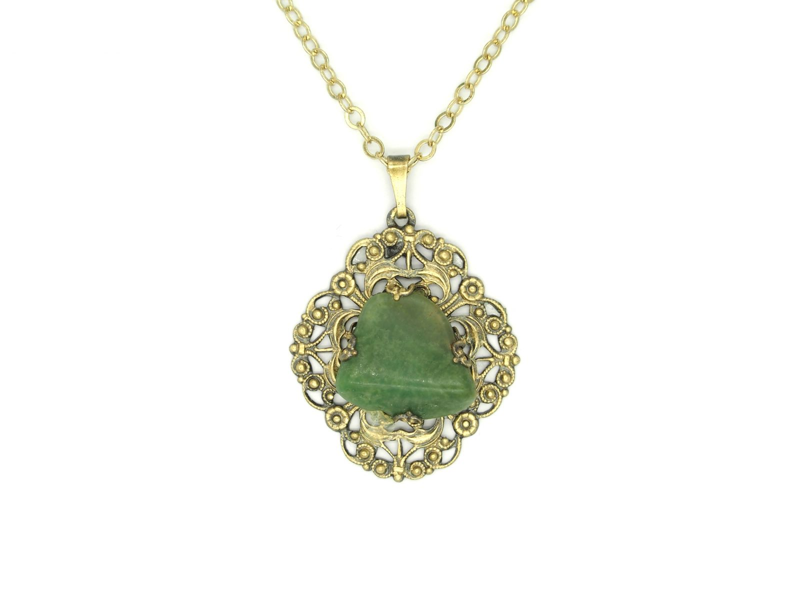 náhrdelník s přívěskem (a)