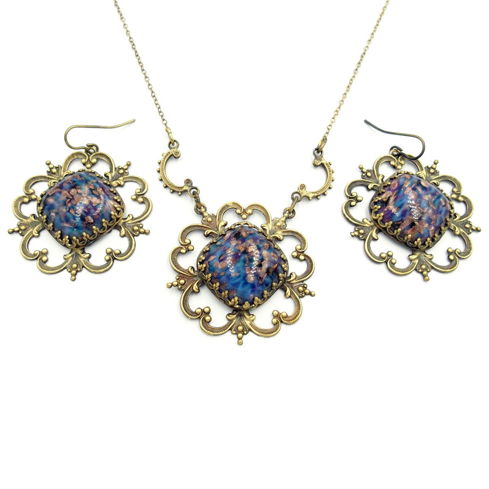 náhrdelník s přívěskem a naušnicemi (b)