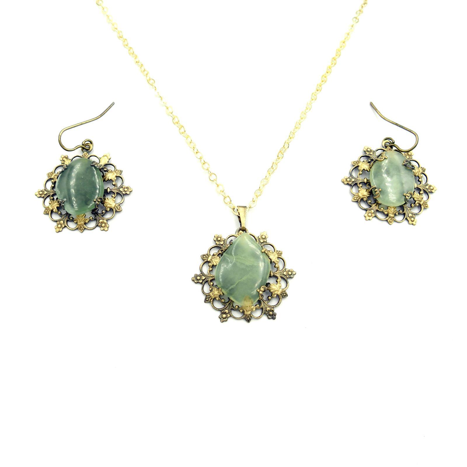 náhrdelník s přívěskem a naušnicemi (c)