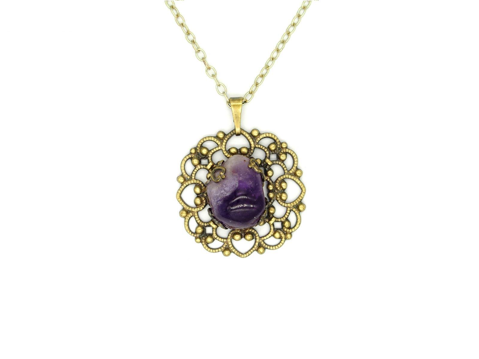náhrdelník s přívěskem (e)