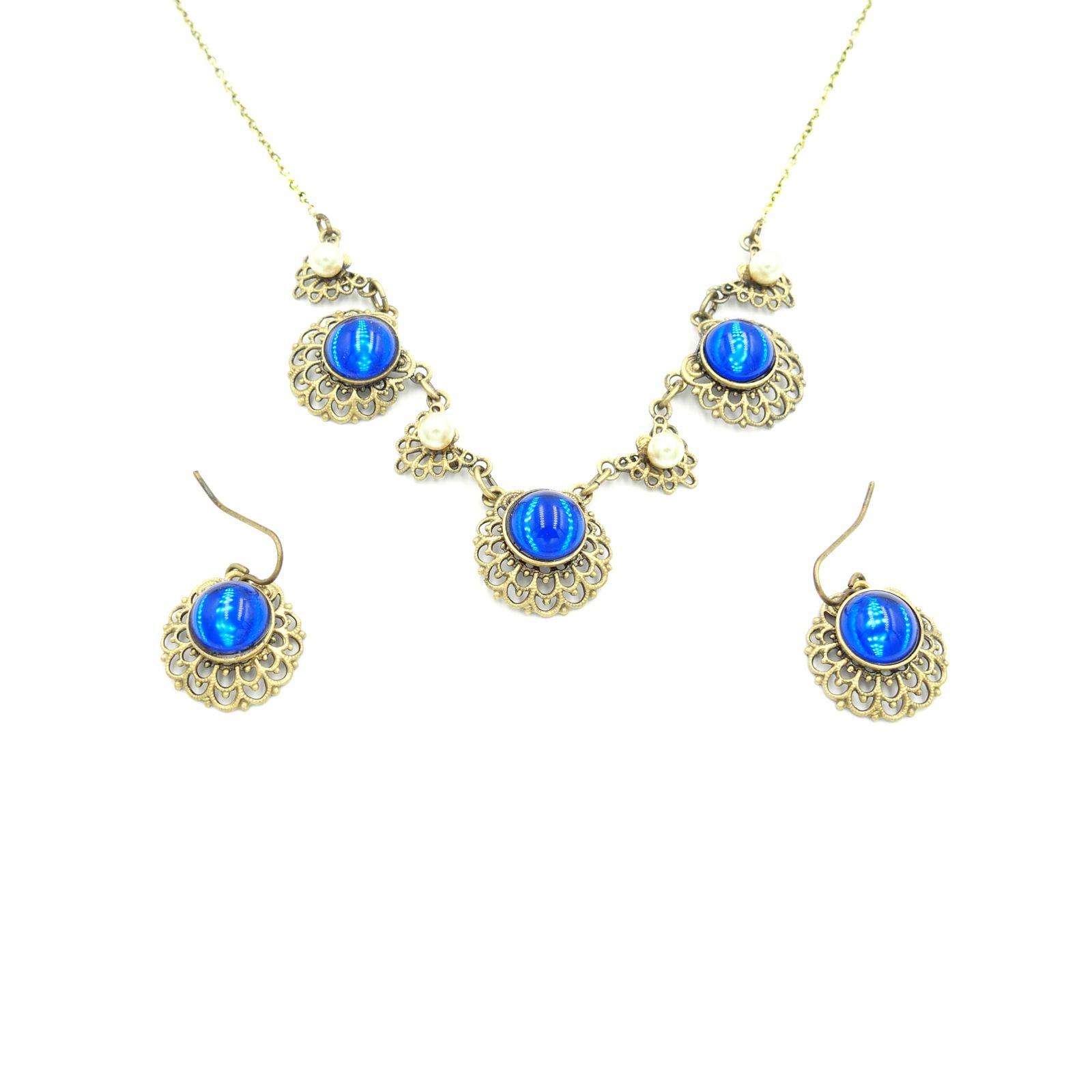 náhrdelník s přívěskem a naušnicemi (d)