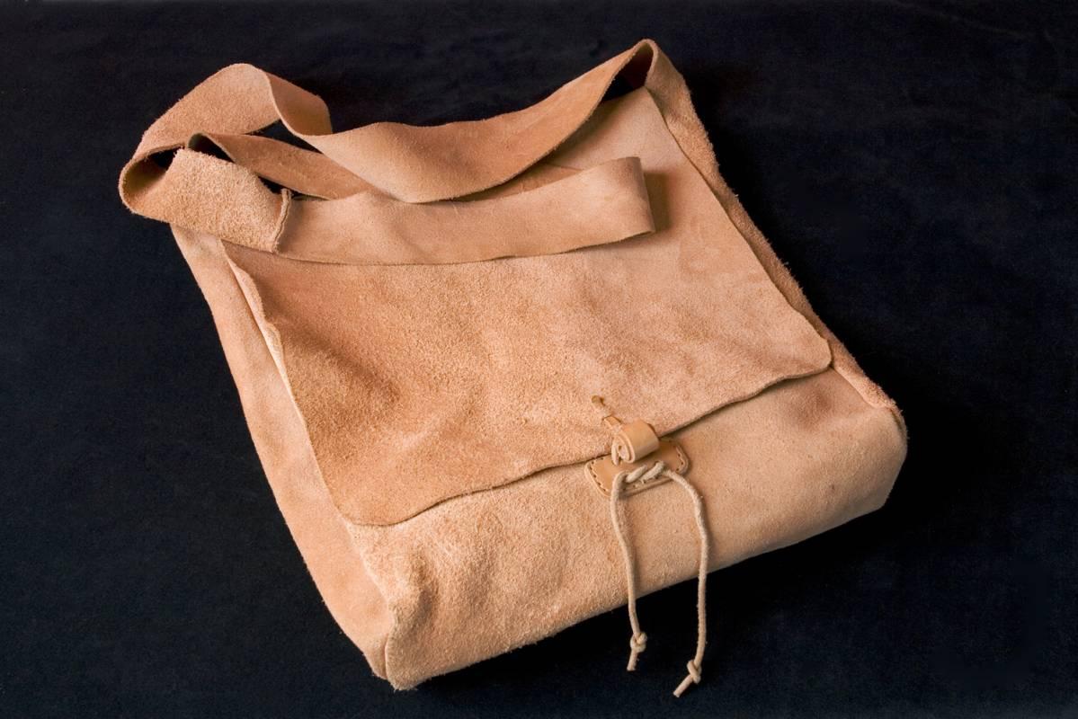 kožené žebradlo, kožená taška přes rameno