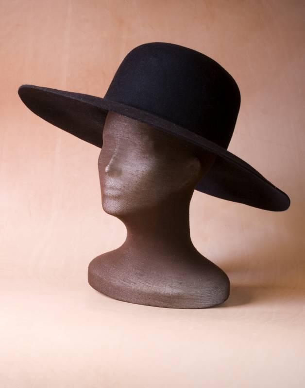 klobouk barokní, klobouk mušketýrský